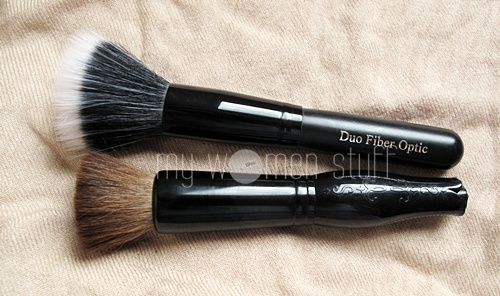 brushestouse4 What brush do you use to apply blush?