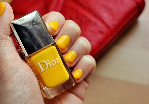 dior acapulco vernis3 Going Loco with Dior Acapulco : Bright, Sunny Neon yellow nails