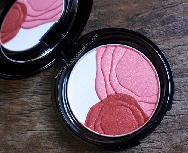 shiseido camelia compact9 Shiseido Camellia Compact : The only blush Ive ever contemplated getting a back up of